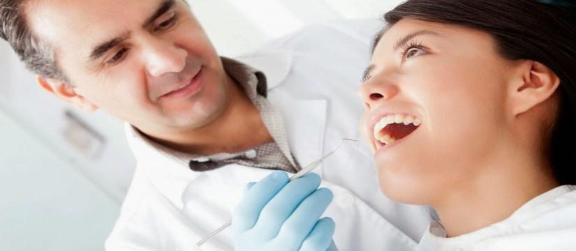 5-recomendaciones-para-elegir-un-buen-dentista-1920-